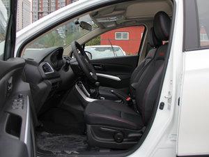 2015款1.6L 手动精英型 两驱 前排空间