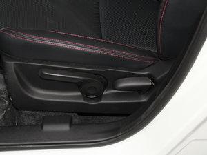 2015款1.6L 手动精英型 两驱 座椅调节