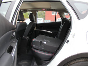 2015款1.6L 手动精英型 两驱 后排座椅放倒