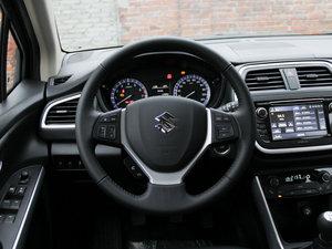 2015款1.6L 手动精英型 两驱 方向盘