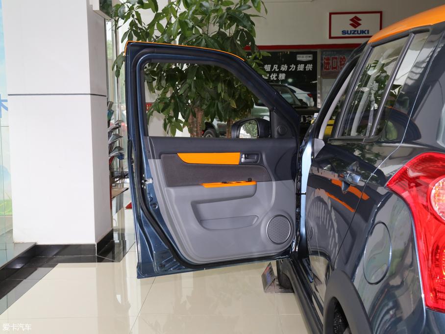 2016款雨燕 驾驶位车门