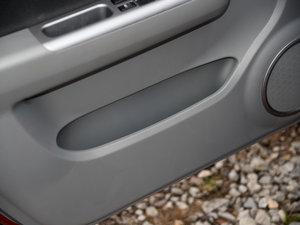 2016款1.5L 手动时尚型 车门储物空间