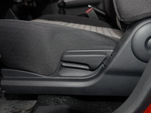 2016款1.5L 手动时尚型 座椅调节