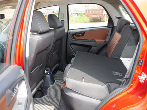 2016款1.6L 自动经典版 后排座椅放倒