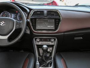 2017款1.6L 手动都市进取型 中控台