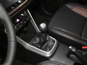 2017款1.6L 手动都市进取型 变速挡杆