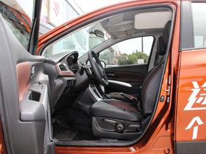 2017款1.4T 自动都市尊享型 4WD 前排空间
