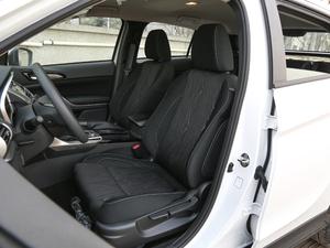 2019款1.5T CVT两驱无畏版 前排座椅