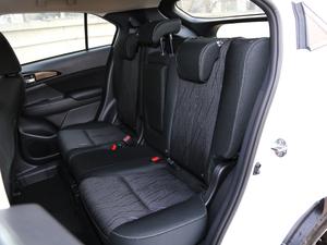 2019款1.5T CVT两驱无畏版 后排座椅
