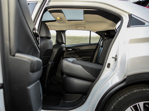 2019款1.5T CVT四驱真我版 后排座椅放倒