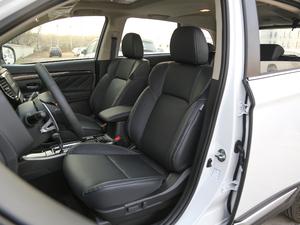 2019款2.4L 两驱致行版 前排座椅