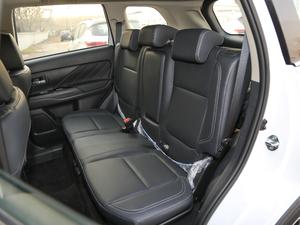 2019款2.4L 两驱致行版 后排座椅