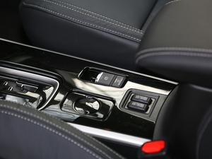2019款2.4L 两驱致行版 驻车制动器