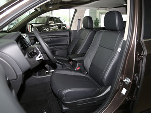 2016款2.4L 四驱7座豪华版 前排座椅