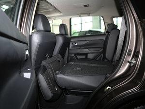 2016款2.4L 四驱7座豪华版 后排座椅放倒