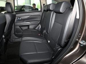 2016款2.4L 四驱7座豪华版 后排座椅