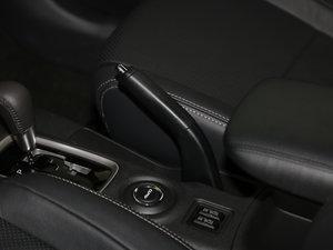 2016款2.4L 四驱7座豪华版 驻车制动器
