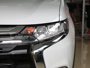 2017款2.0L 两驱5座荣耀版 头灯