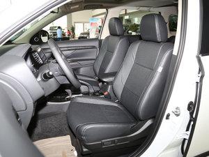 2017款2.0L 两驱5座荣耀版 前排座椅