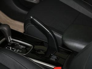 2017款2.0L 两驱5座荣耀版 驻车制动器