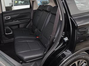 2017款2.0L 两驱5座荣耀版 后排座椅