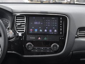 2017款2.0L 两驱5座荣耀版 中控台