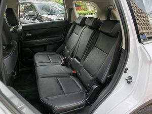 2018款2.4L 四驱尊贵版 后排座椅