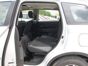 2018款2.0L 两驱嘉乐版 后排座椅放倒