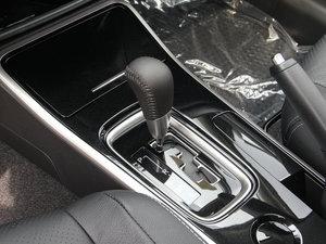 2018款2.0L 两驱嘉乐版 变速挡杆