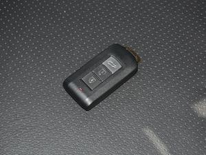 2018款2.4L 四驱尊贵版 钥匙