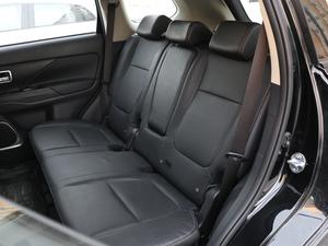 2018款2.0L 两驱荣耀版 后排座椅