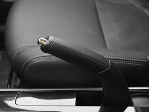 2018款2.0L 两驱荣耀版 驻车制动器
