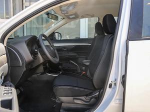 2018款2.0L 两驱风尚版 前排空间