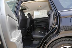 2018款2.4L 四驱豪华版 后排空间