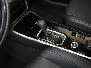 2018款2.4L 四驱豪华版 变速挡杆