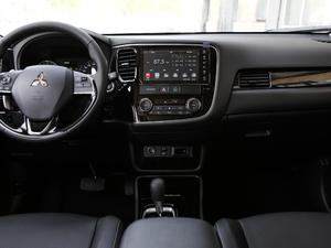 2018款2.4L 四驱豪华版 中控台