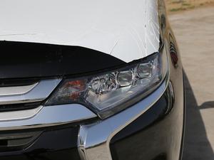 2018款2.4L 四驱豪华版 头灯