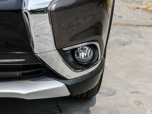 2018款2.4L 四驱精英版 雾灯