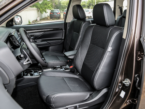 2018款2.4L 四驱精英版 前排座椅