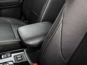 2018款2.4L 四驱精英版 前排中央扶手