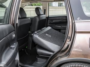 2018款2.4L 四驱精英版 后排座椅放倒
