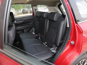 2018款2.4L 四驱精英版 后排座椅