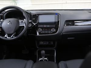 2018款2.4L 四驱精英版 中控台