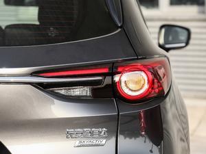 2019款2.5L 两驱尊贵型 尾灯