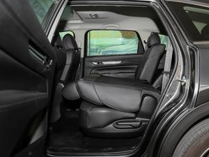 2019款2.5L 两驱尊贵型 后排座椅放倒