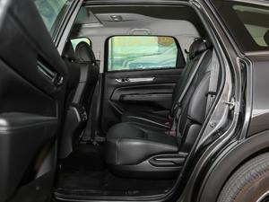 2019款2.5L 两驱尊贵型 后排空间