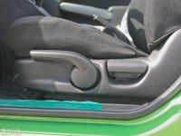 空间座椅马自达2两厢座椅调节