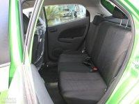 空间座椅马自达2两厢后排座椅