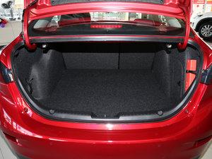 2017款三厢 2.0L 自动尊贵型 空间座椅