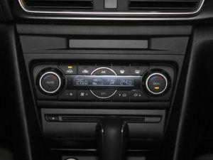 2017款三厢 2.0L 自动尊贵型 中控区
